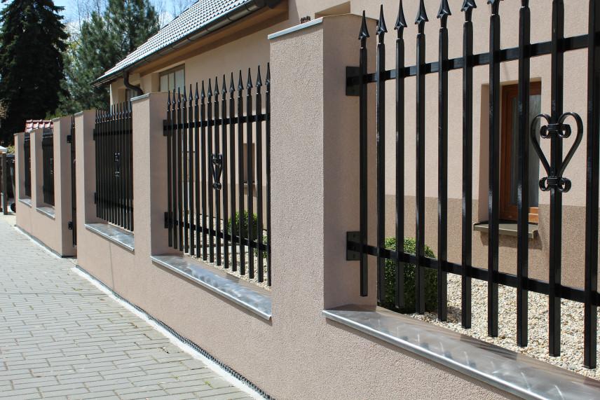 Klasyczne ogrodzenie