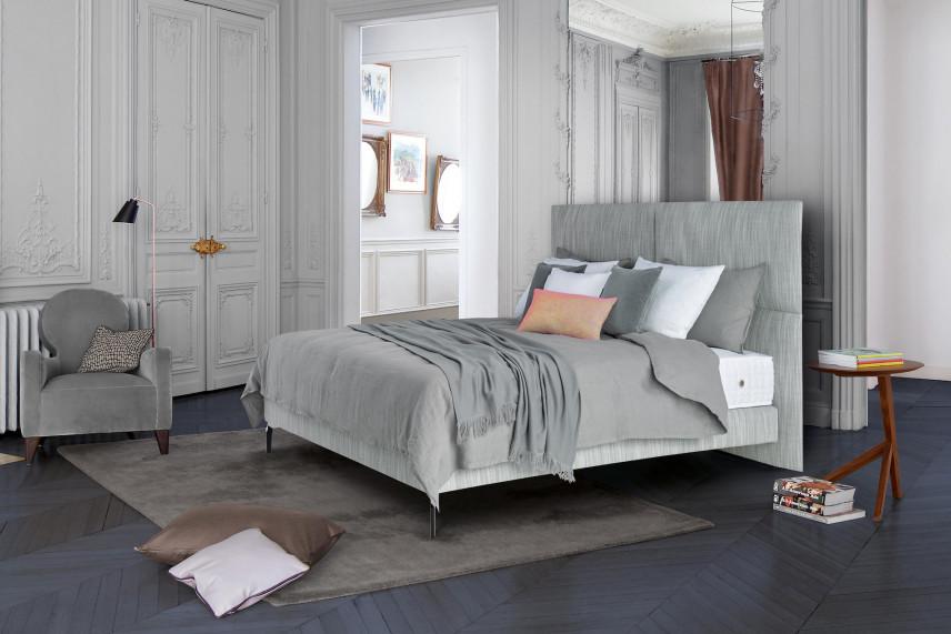 Duże łóżko kontynentalne