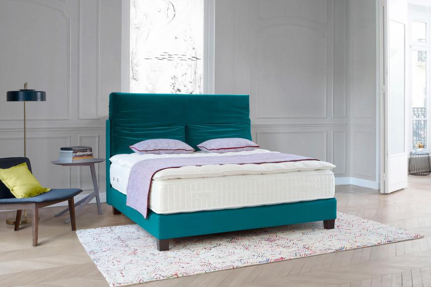 Zielone łóżko