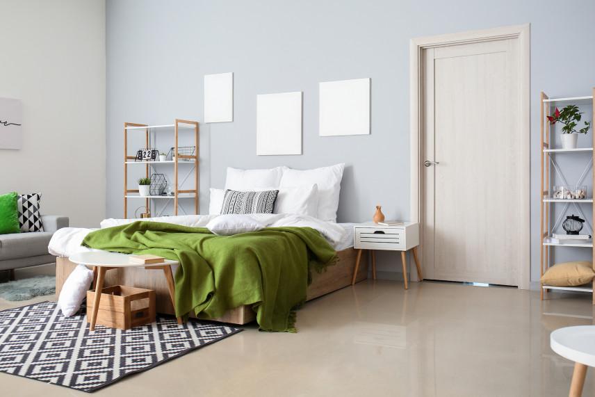 Błękitne ściany w sypialni