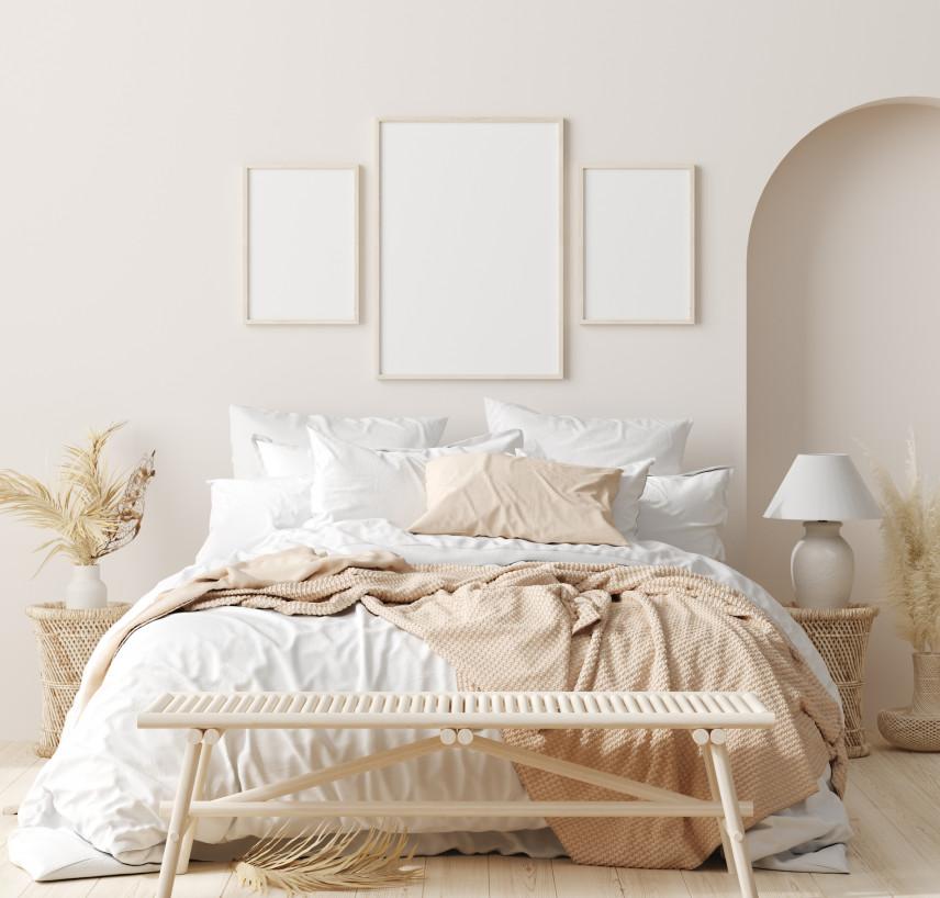 Biała sypialnia w stylu boho