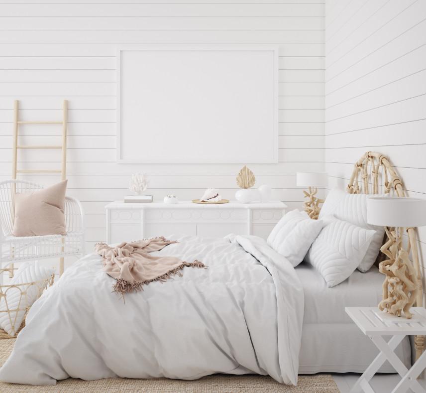 Biała boazeria w sypialni