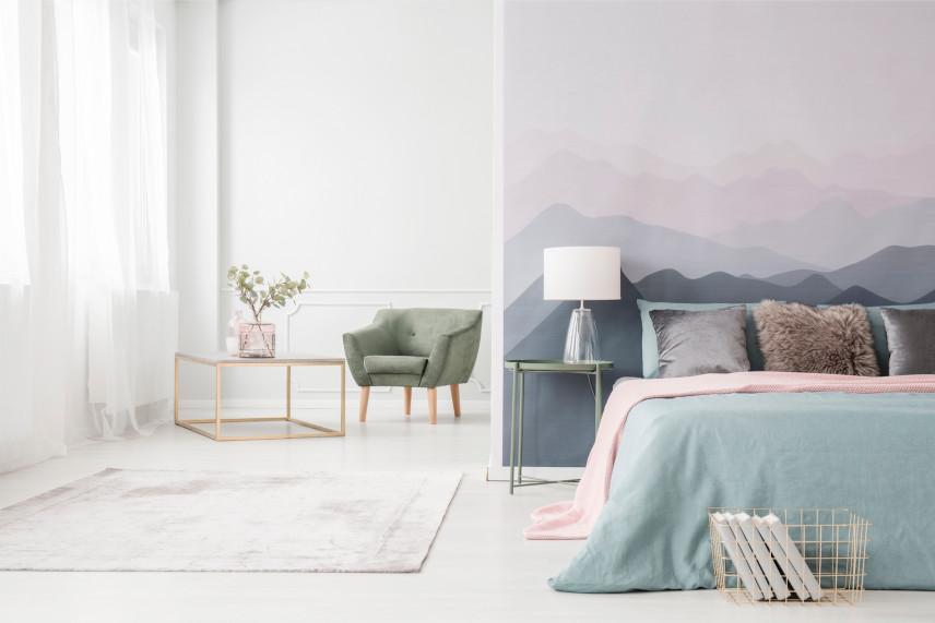 Stonowana tapeta w sypialni