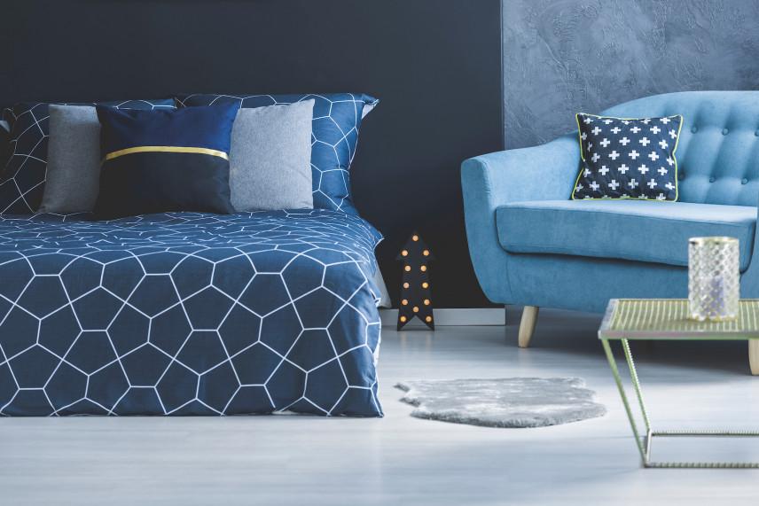 Stylowy niebieski fotel