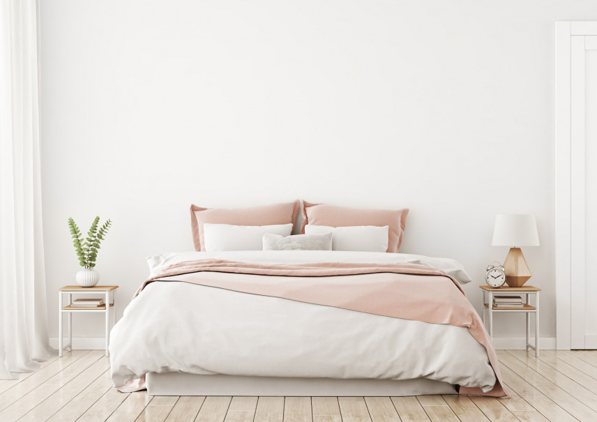 Aranżacja sypialni z drewnianą podłogą