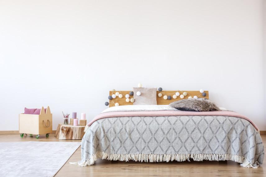 Duże podwójne łóżko