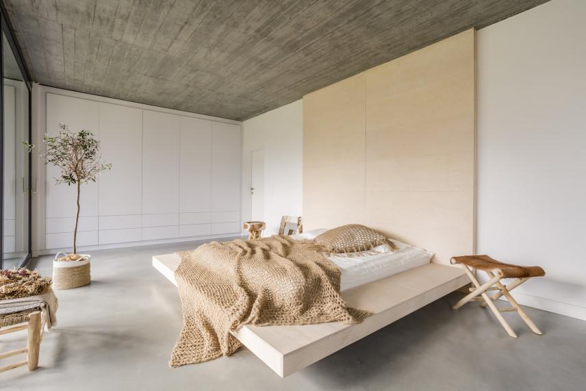 Duża, przestrzenna sypialnia