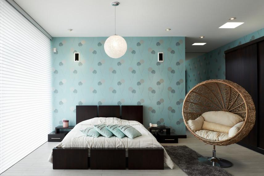 Tapeta w kolorze zielonym w sypialni