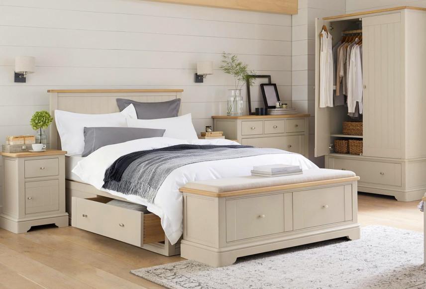 Sypialnia z szafą na ubrania