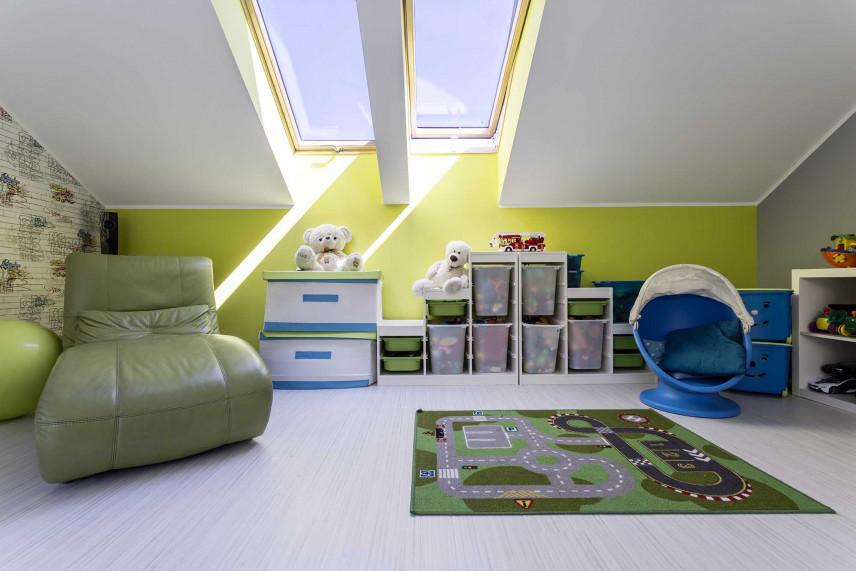 Zielony pokój do zabawy dla chłopca