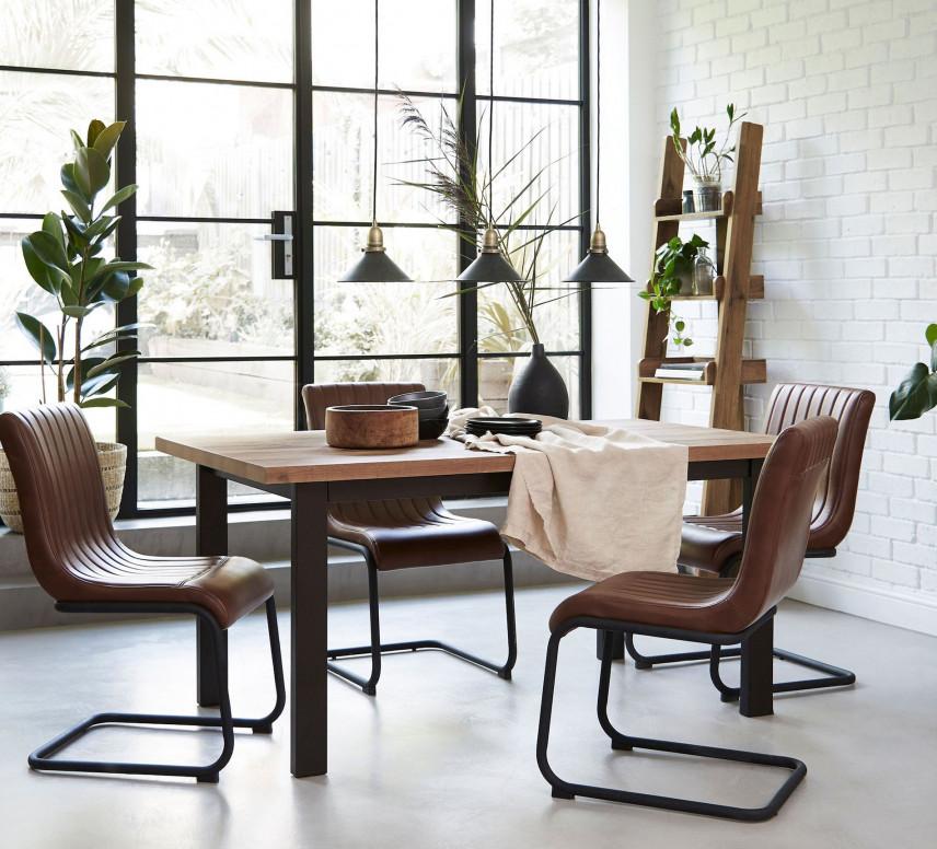 Stylowe skórzane krzesła w jadalni