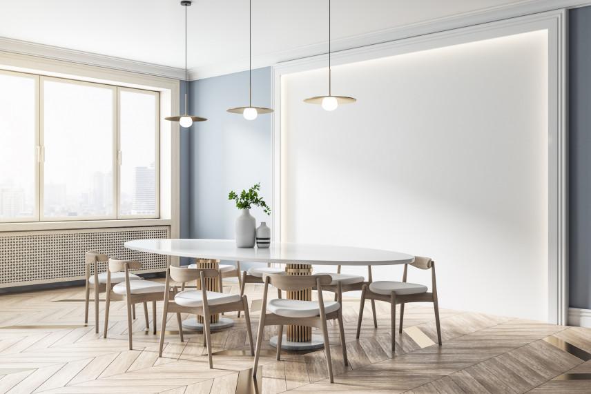 Jadalnia z białym, owalnym stołem