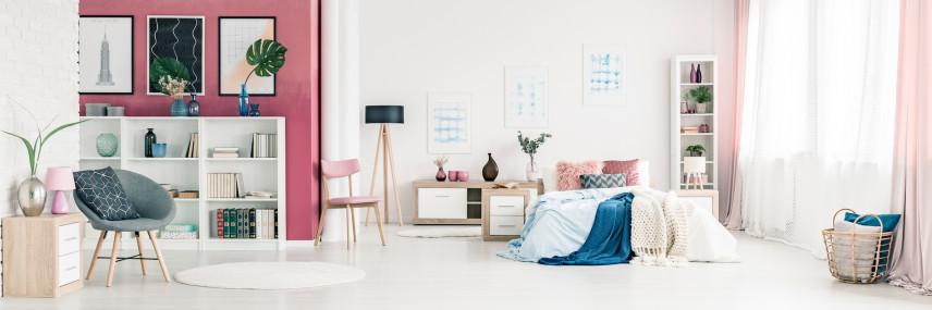 Przestronna sypialnia z salonem