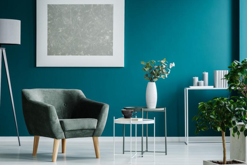 Intensywna zieleń w salonie