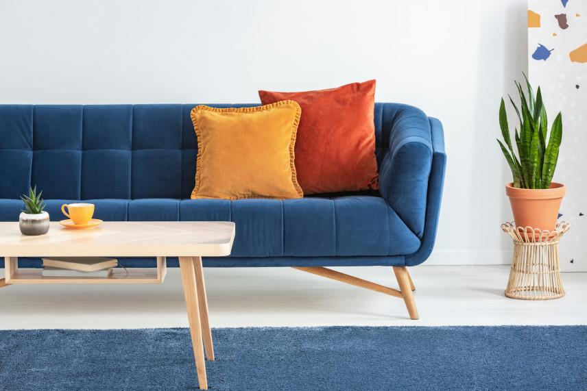 Stylowa, granatowa sofa