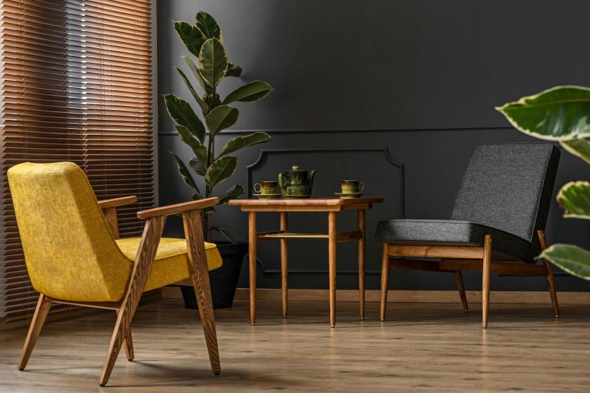 Drewniane żaluzje w salonie