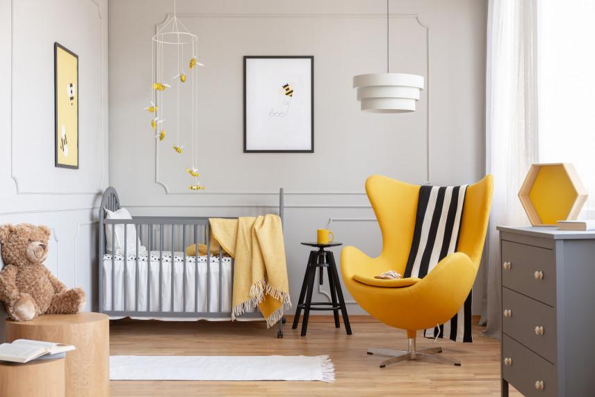 Szaro-zółty pokój noworodka