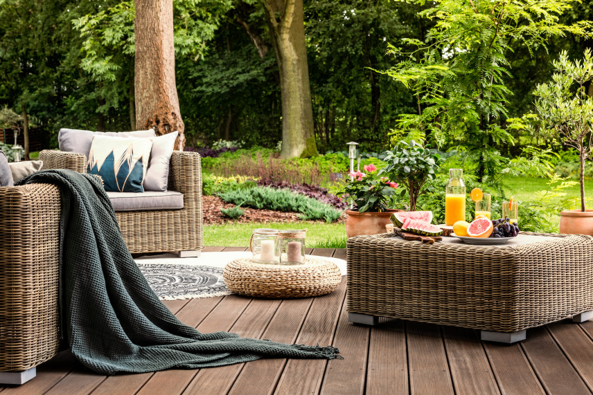 Taras ogrodowy z deski panelowej