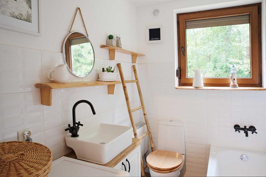 Mała łazienka w stylu rustykalnym