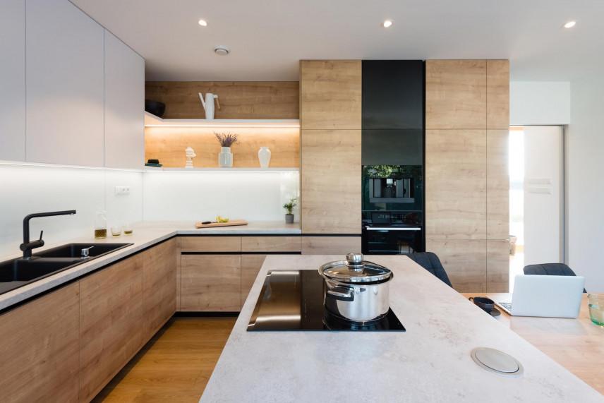 Podświetlane szafki w kuchni