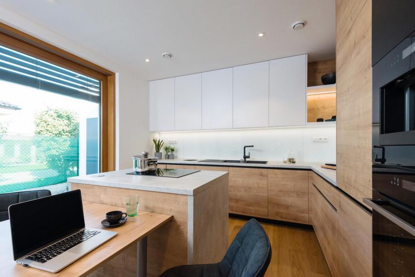 Duże okno w kuchni