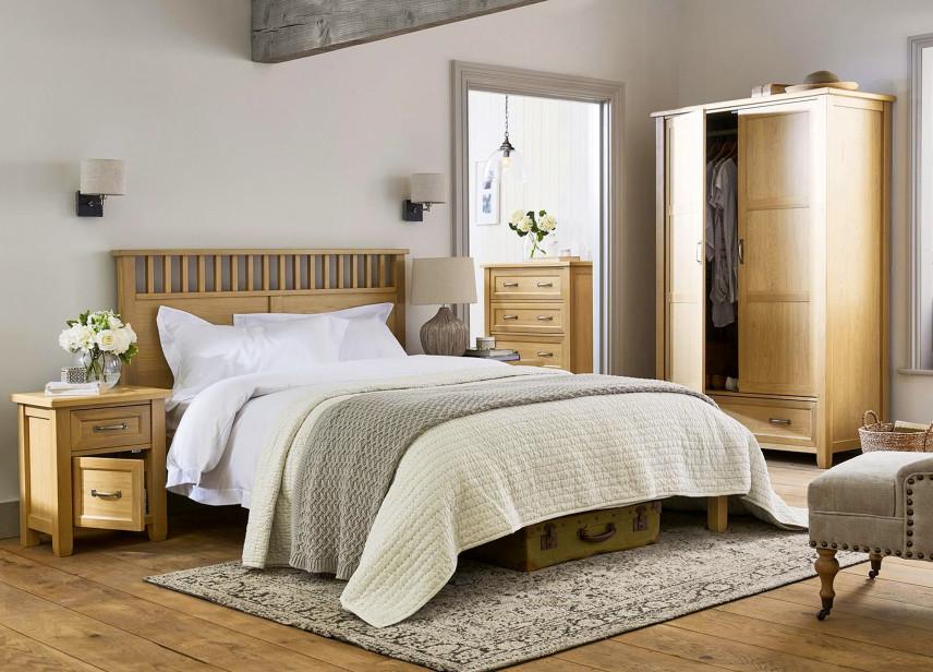 Mała sypialnia w stylu rustykalnym