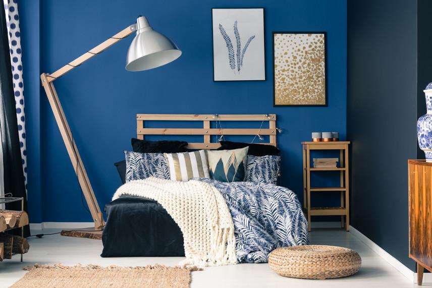 Niebieska mała sypialnia