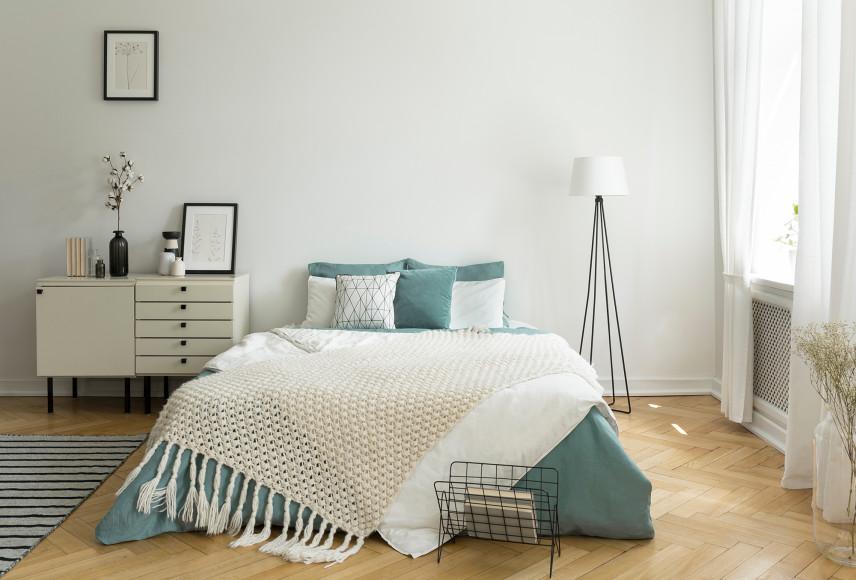Mała sypialnia w stylu vintage