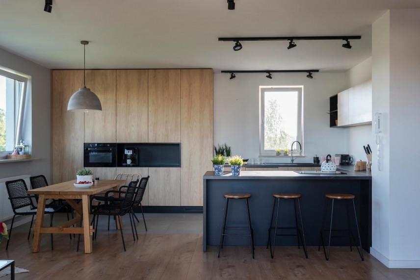 Aranżacja kuchni w stylu skandynawskim z barem