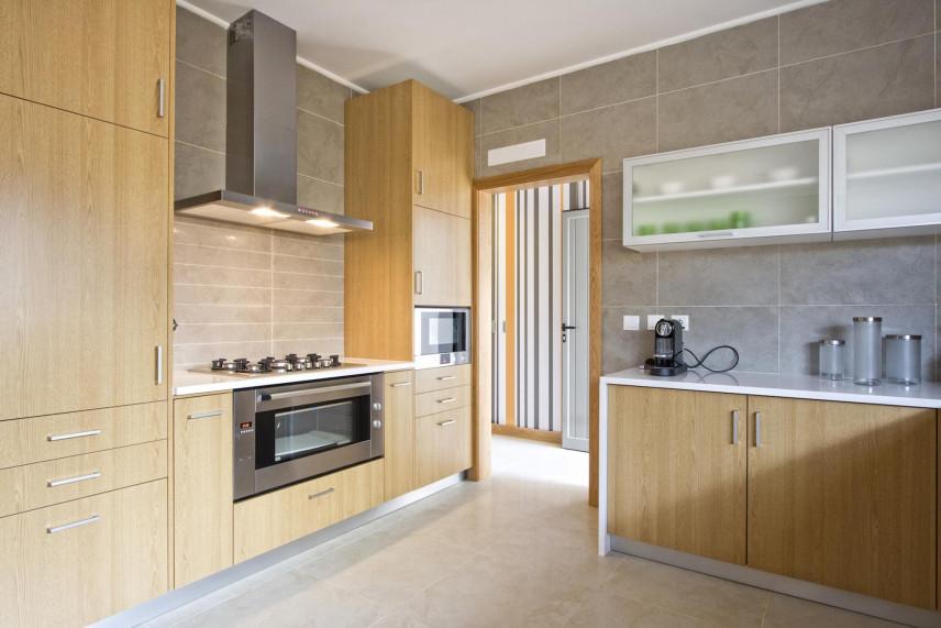 Aranżacja małej kuchni w stylu klasycznym