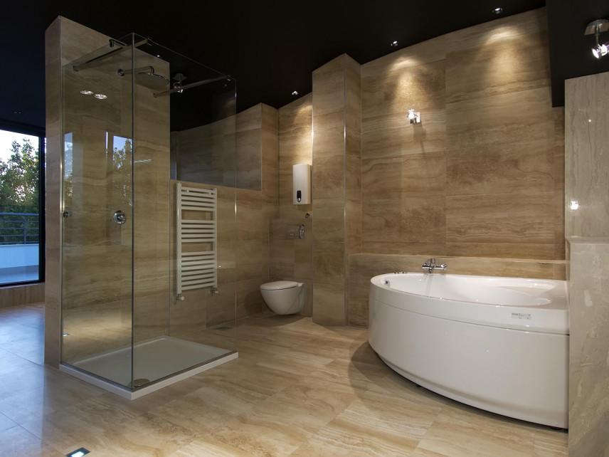 Aranżacja stylowej łazienki z wanną narożną
