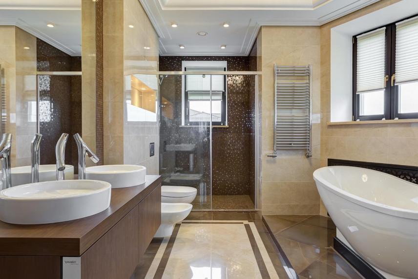 Projekt łazienki z okrągłymi zlewami