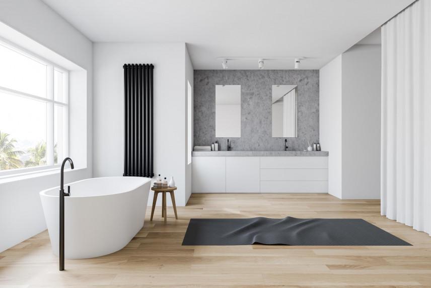 Aranżacja łazienki z jasnymi panelami