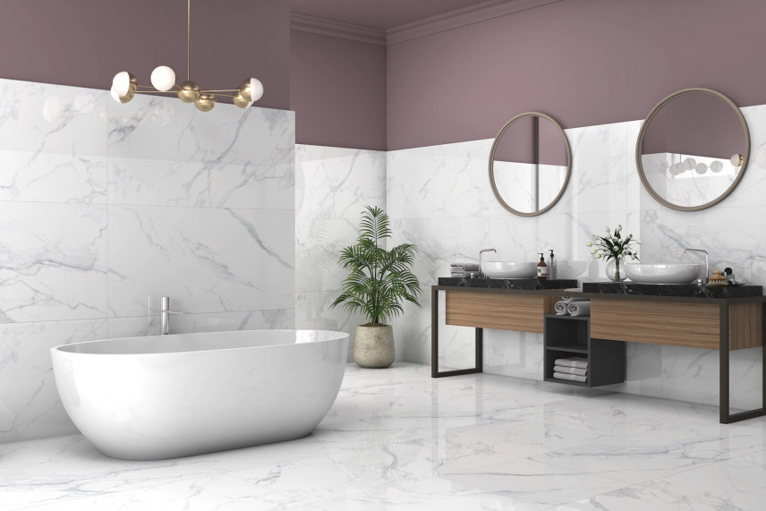 Projekt łazienki z fioletową ścianą