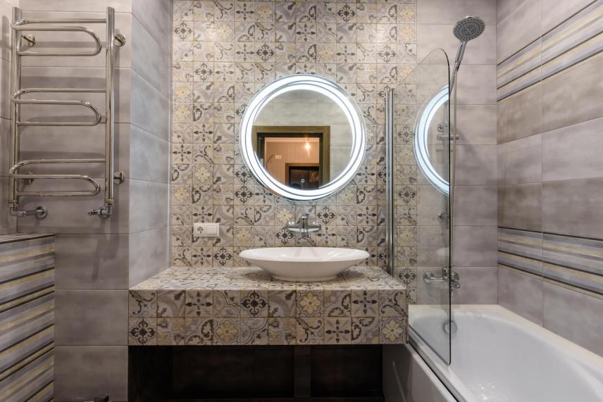 Mozaika w małej łazience