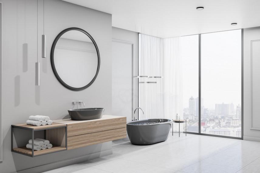 Projekt łazienki z oknem i wanną wolnostojącą