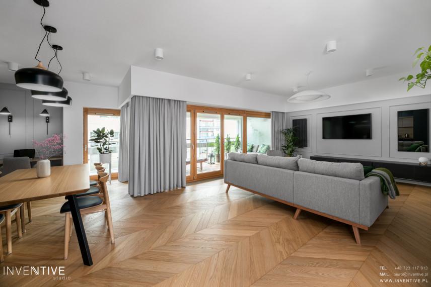 Salon w stylu skandynawskim połączony z jadalnią