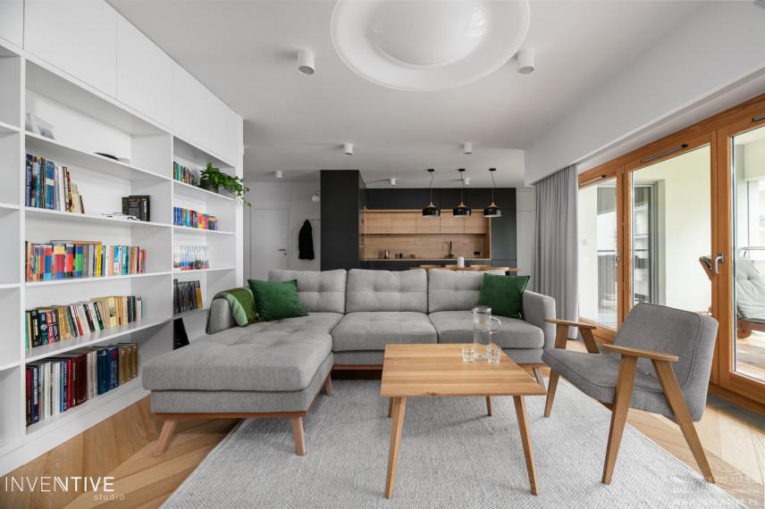 Biało-szary salon w stylu skandynawskim