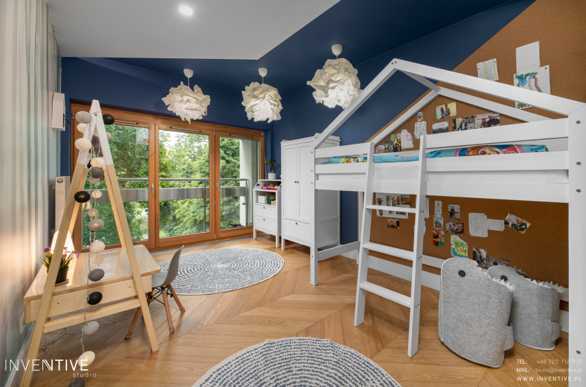 Pokój dziecięcy z łóżkiem piętrowym w stylu skandynawskim