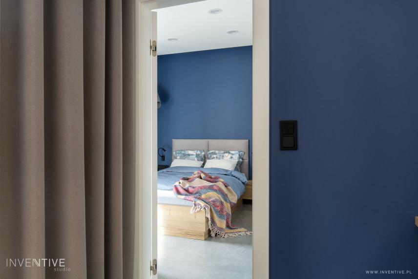 Projekt sypialni z łóżkiem kontynentalny