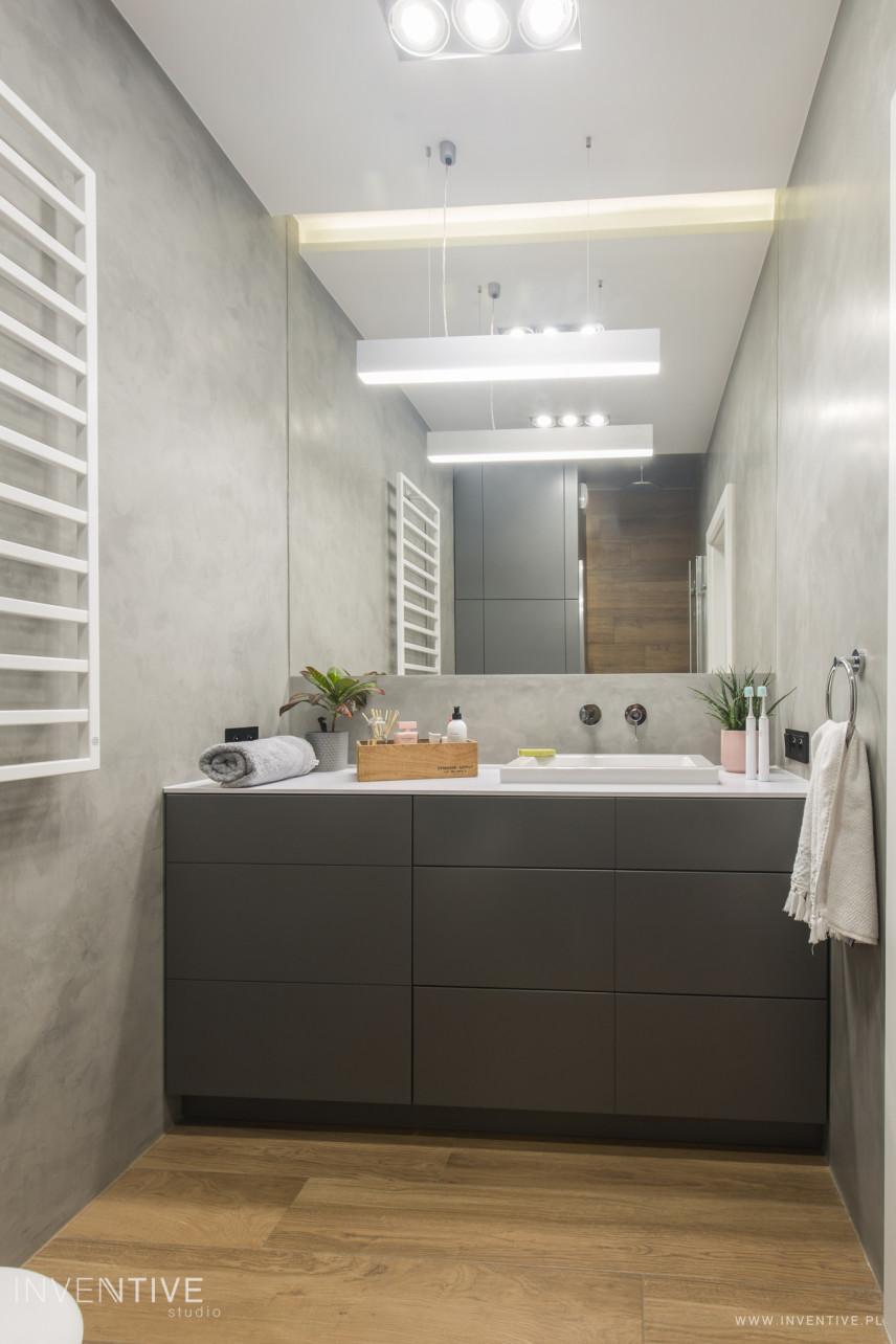 Projekt łazienki z betonem dekoracyjnym