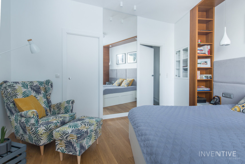 Sypialnia z łóżkiem kontynentalnym