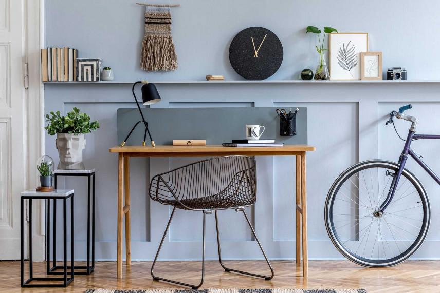 Małe biurko w domu
