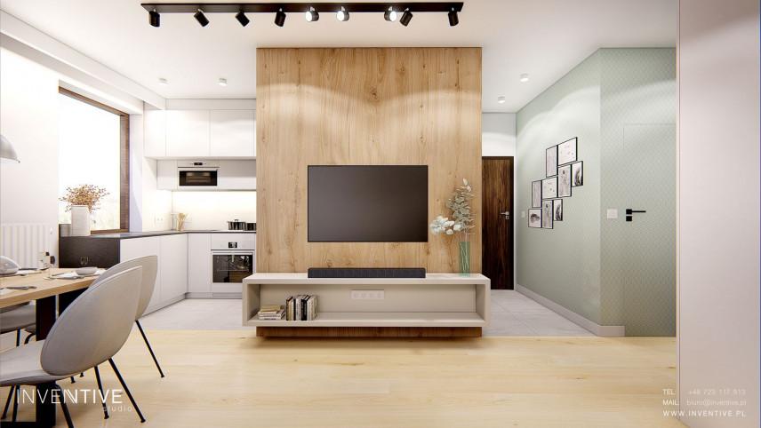 Ściana  z drewnem z telewizorem