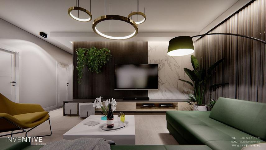 Salon z marmurową ścianą na telewizor