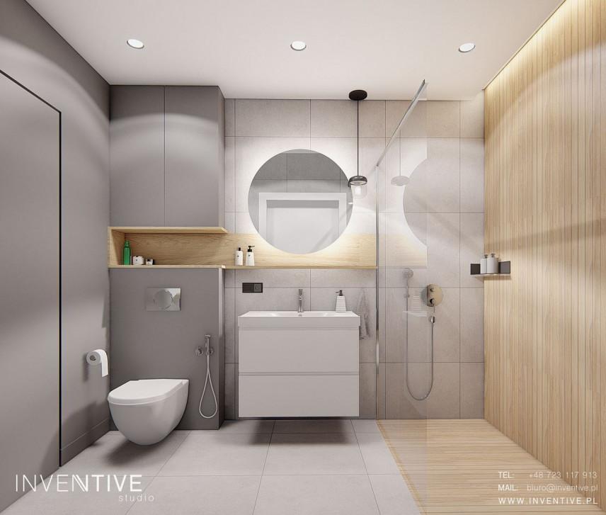 Szaro-drewniana łazienka z prysznicem