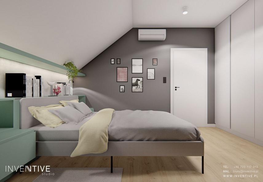 Szara sypialnia z miętowymi dodatkami