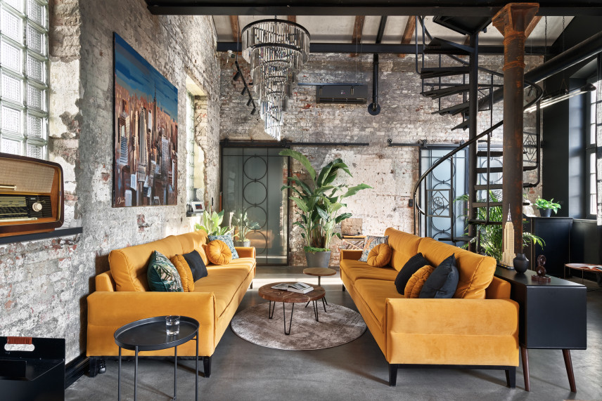 Salon w przestrzeni w stylu loft