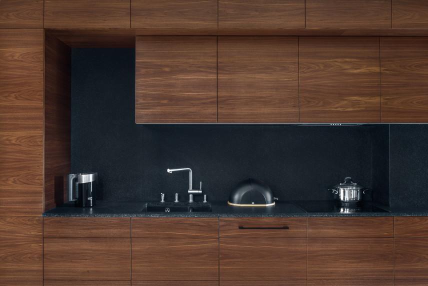 Aneks kuchenny brązowo-grafitowy