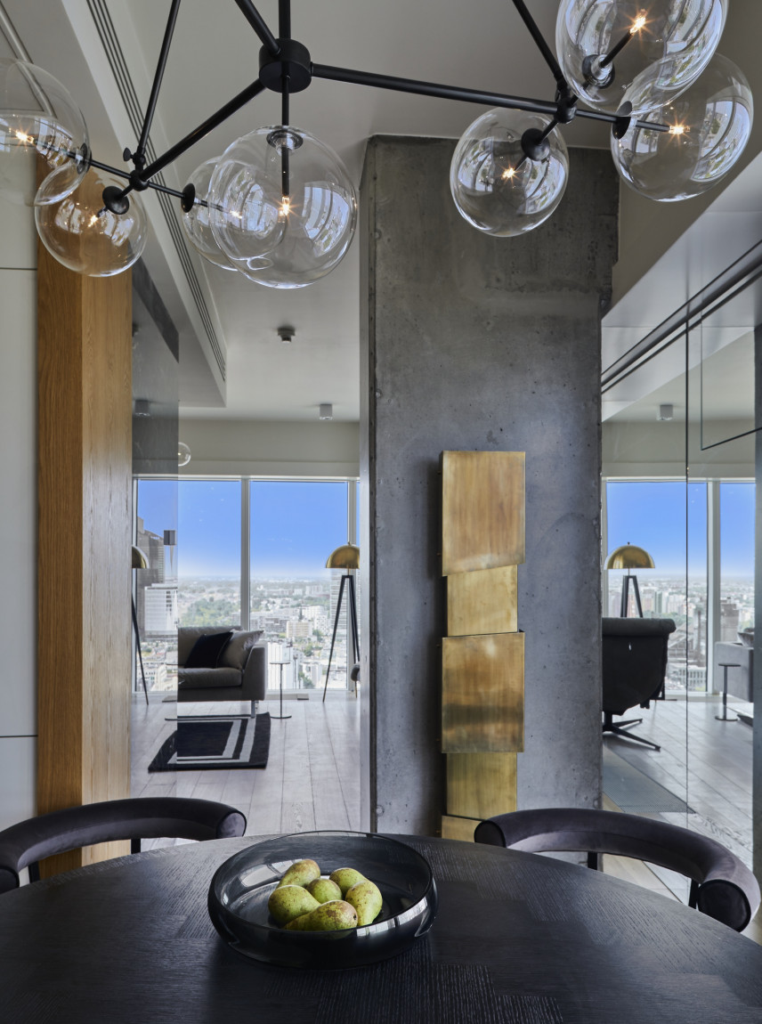 Aranżacja salonu z lampą w stylu Art Deco